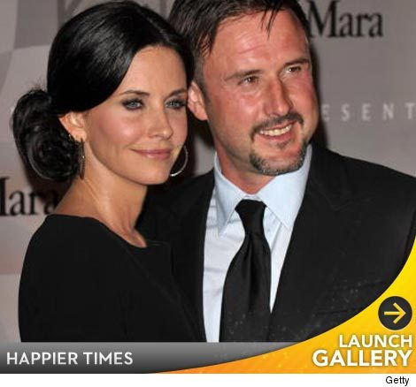Courteney Cox, David Arquette split.