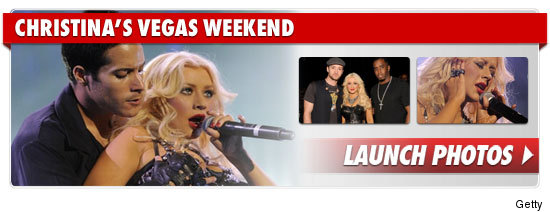 1025_christina_aguilera_vegas_weekend_footer