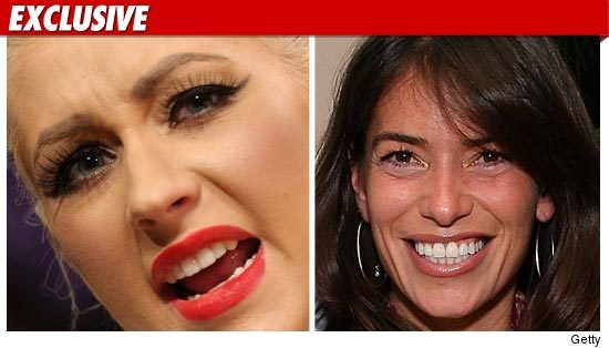 1025_christina_augilera_laura_wasser_tmz_getty_ex_2
