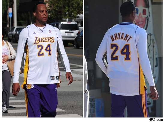 http://ll-media.tmz.com/2010/10/26/1026-murray-kobe-jersey-npg-1-credit.jpg