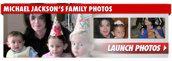 1109_michael_jackson_family_photos_footer