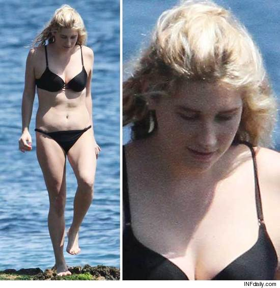 Kesha bikini photos: We r who we r.
