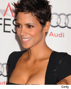 Halle Berry Naked! Halle Berry loves taking off her clothes -- and we don't ...