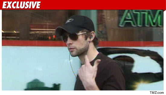 1119_chace_crawford_EX_TMZ_01