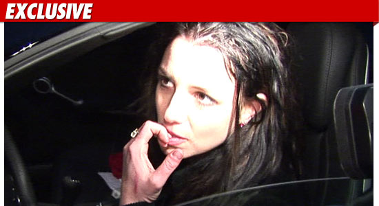 1201_britney_spears_EX_TMZ_06