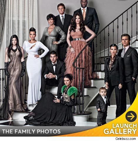 The Kardashian Family Christmas Holiday Portrait 2010 Additional Pics