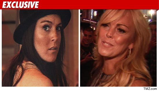 1215_Lindsay_dina_lohan_TMZ_EX
