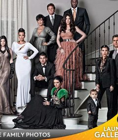 Who Was Photoshopped Into Kardashian X-Mas Card?