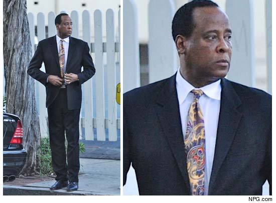 http://ll-media.tmz.com/2011/01/04/0104-conrad-murray-npg-credit.jpg
