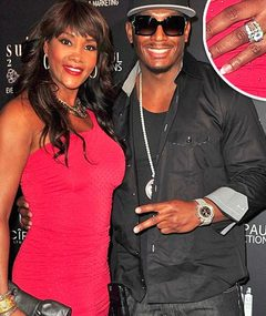 NEWS: Vivica A. Fox Engaged -- See the Ring!