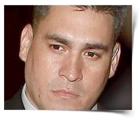 http://ll-media.tmz.com/2011/01/05/0105-alberto-alavrez.jpg
