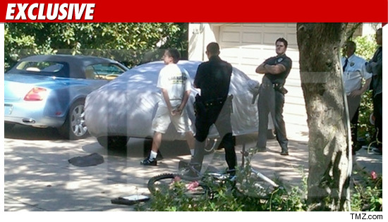 0106_paris_hilton_EX_TMZ_intruder