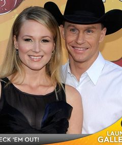 BABY NEWS: Jewel Is Pregnant!