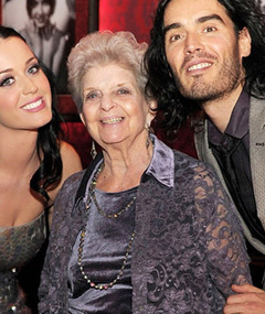 FAB FOTOS: Kerry Perry Celebrates Grandma's 90th B-Day in Vegas!