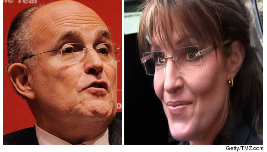 0122_rudy_giuliani_sarah_palin_GETTY_REG2