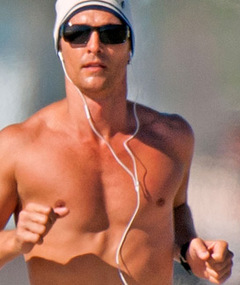 EYE CANDY: Matthew McConaughey&#039;s Shirtless Run!