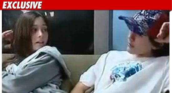 http://ll-media.tmz.com/2011/02/28/0228-jackson-kids-ex.jpg