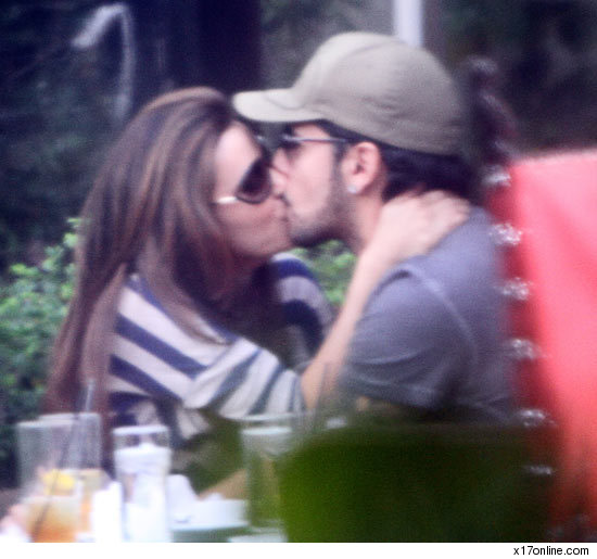 Eva Longoria and Eduardo Cruz