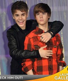 FAB FOTOS: Justin Bieber&#039;s Wax Figures Revealed!