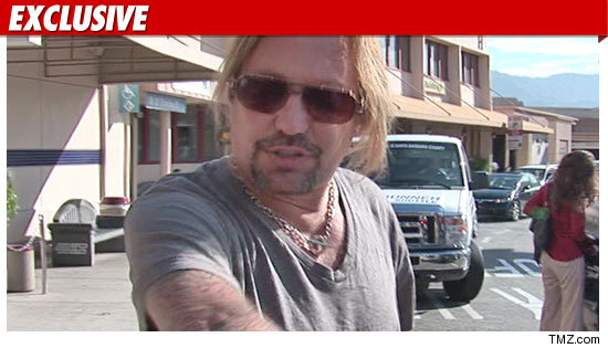 1011_vince_neil_EX_TMZ_01