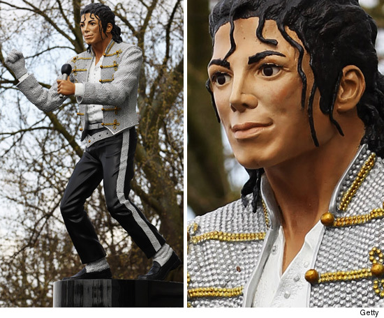 0403_michael_jackson_statue_getty