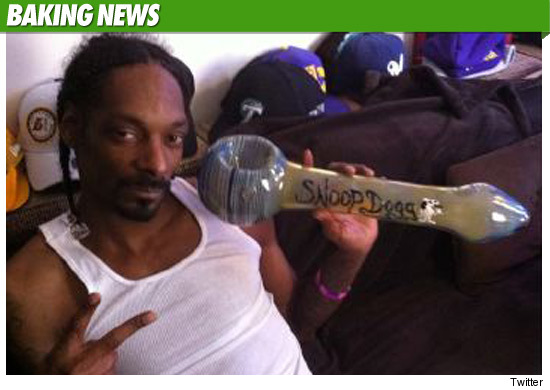 0420_snoop_dog_baking_news