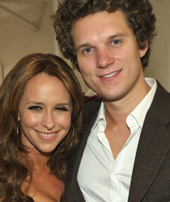 Jennifer Love Hewitt and Alex Beh Split!