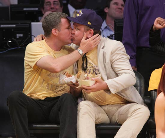 0503_lakers_kiss