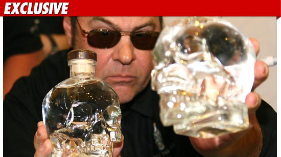 0511_dan_akroyd_crystal_head_vodka_ex_getty