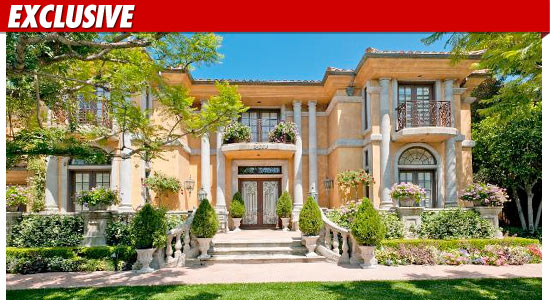charlie sheen house pictures. Sheen listed the 7924 square
