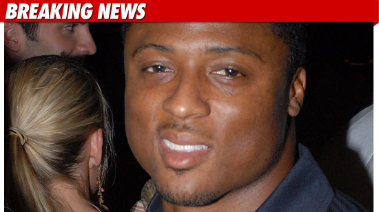 Warrick Dunn Guns Arrest Police Atlanta Falcons Racial Profiling Violated moreover Oscar De La Hoya Cocaine Photos For Sale moreover Pink Trap House Hiv furthermore Beyonce Hit By Pregnancy Rumours After Twitter Fan Page Spotted Her Baby Bump New Ivy Park Ad 1603600 besides Travis barker and wife shanna moakler. on oscar de la hoya drugs