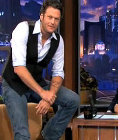 Blake Shelton Reveals Beauty Pageant Past!