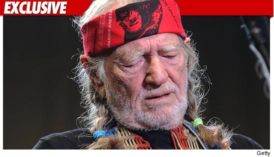 0708_Willie_Nelson_getty_ex