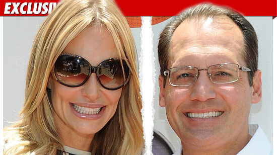 0715_taylor_Armstrong_russel_ex