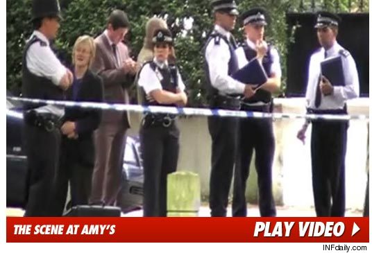 0723_amy_winehouse_police_apartment_video_inf
