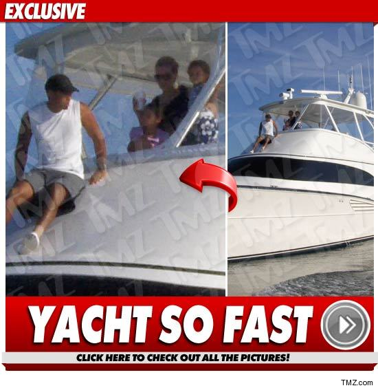 0725_tiger_woods_yacht_EX