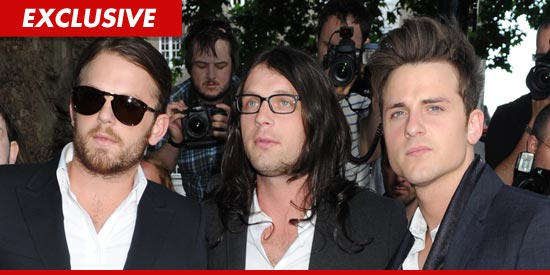 Kings of Leon Cancel Tour