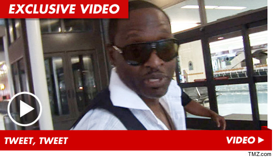 0813_johnny_gill_tmz_exv_video
