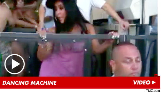 0904_snooki_dancing_video_tmz