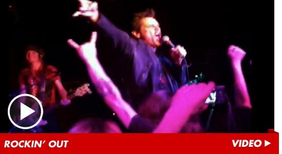 Jim carrey random video tour continues for Tmz tour new york city