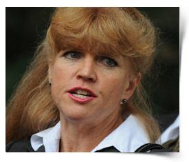 http://ll-media.tmz.com/2011/09/28/0928-kathy-jorrie-trial.jpg