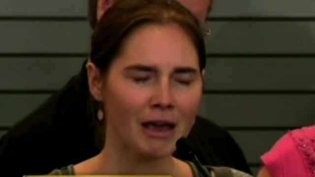 1004-amanda-knox-tearful-homecoming
