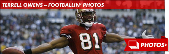 1010_TO_football_photo_footer