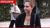 """Jessica Alba Sues """"Belly Bandit"""": I'm NOT Your Spokesperson!"""