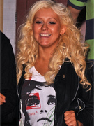 Christina Aguilera: No Makeup, No Pants, No Problem?