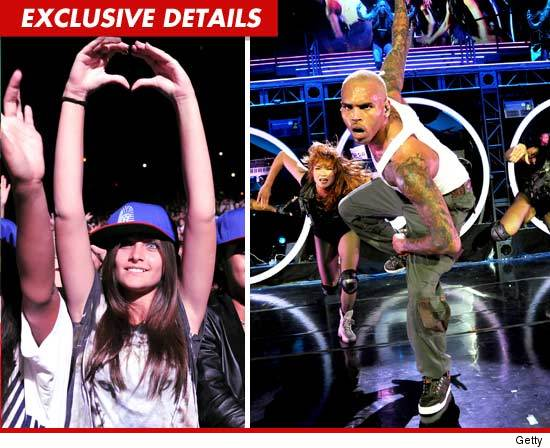 Paris no show de Chris Brown, com tratamento Vip 1021-paris-jackson-gettyexd2-credit