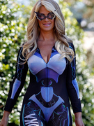 Kim Zolciak Shows Off Post-Baby Bod in Skin-Tight Costume