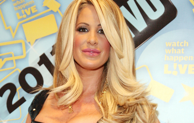 Kim Zolciak's 10 Carat Engagement Ring!