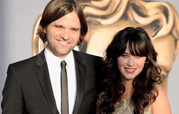 Zooey Deschanel Splits With Husband