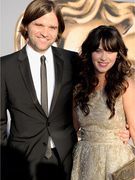 Zooey Deschanel Splits With Husband